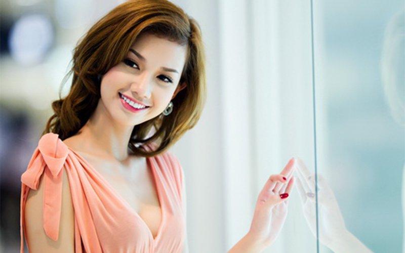 Hiện tại, cô là gương mặt MC quen thuộc trên sóng truyền hình, sự kiện. Bên cạnh đó, Quỳnh Chi cũng tham gia nhiều phim điện ảnh với tham vọng trở thành diễn viên chuyên nghiệp.