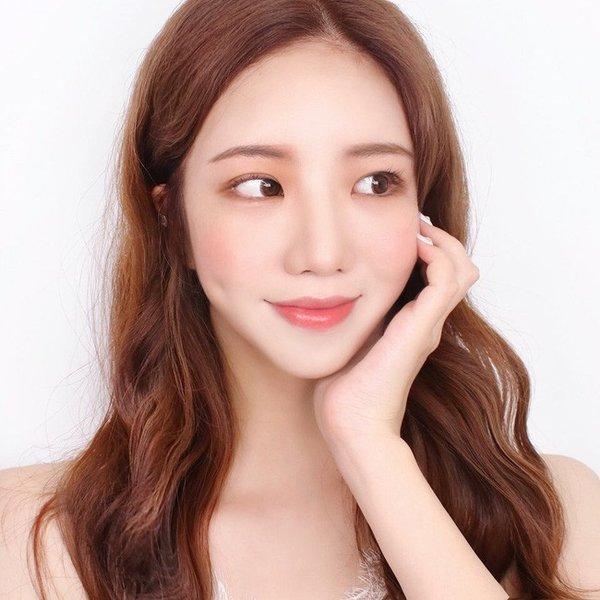 nhung phong cach trang diem co dau tu nhien hot nhat mua cuoi thu dong 2019 - 17