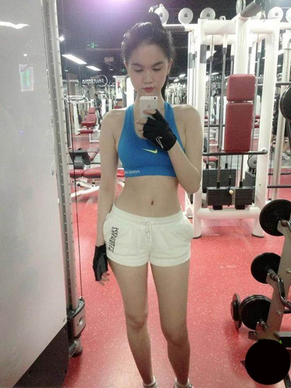 "ngoc trinh khong ""coi"", khong dien noi y van gay sot cdm vi so do vong eo be ki luc - 16"