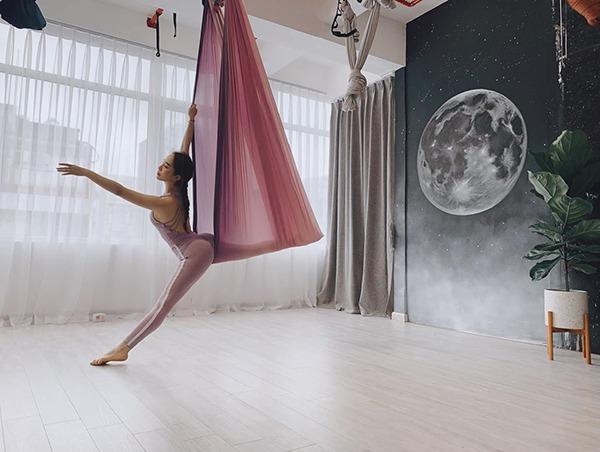 Khi Quỳnh Nga thả dáng uyển chuyển tập múa, dân tình chỉ chú ý đúng một chi tiết - 12