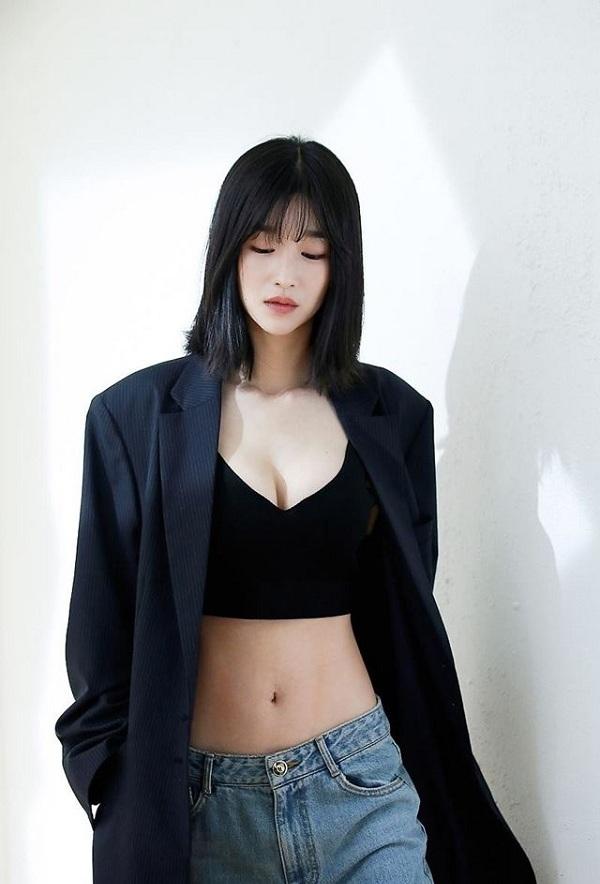 Xuất hiện amp;#34;chị đẹpamp;#34; mới của màn ảnh Hàn Quốc: vóc dáng như người mẫu với vòng eo con kiến - 8