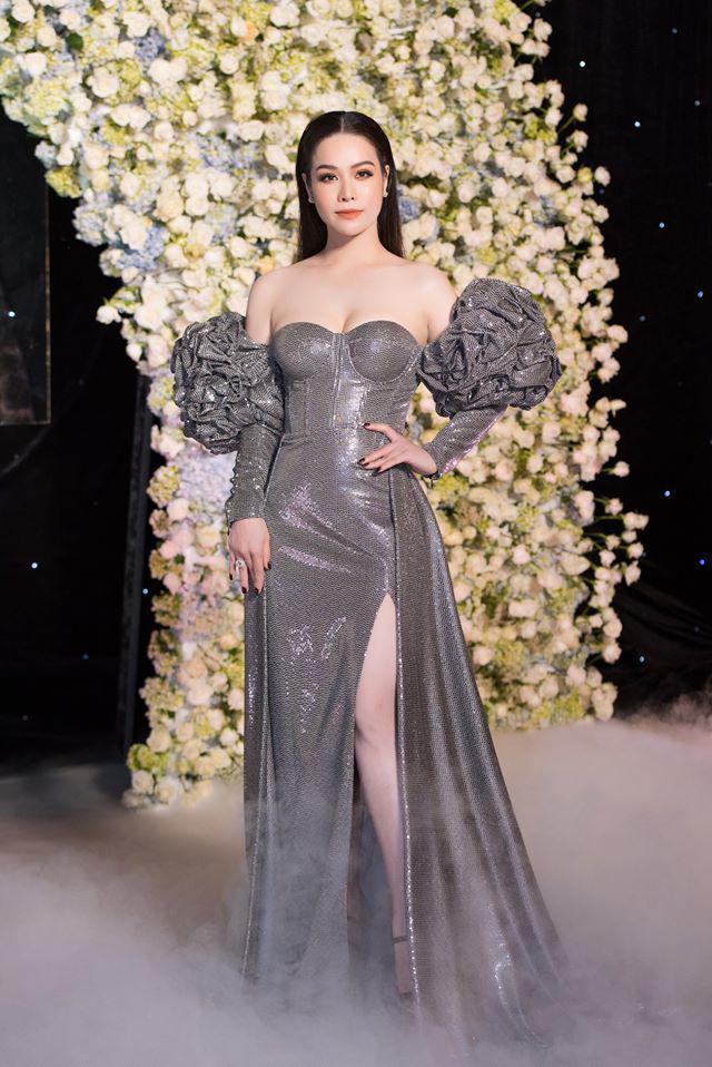 Ngày thường ăn mặc giấu dáng, Nhật Kim Anh cứ lên thảm đỏ là chọn váy khoe triệt để body 2