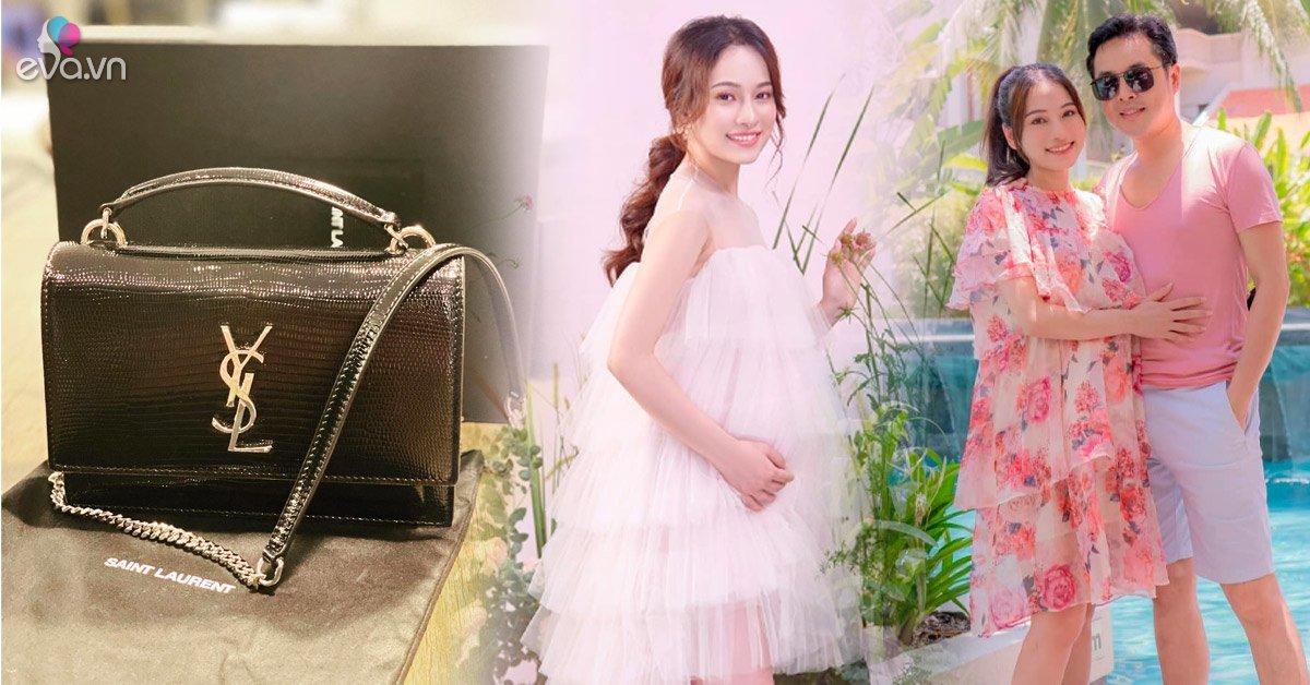 Dương Khắc Linh tặng túi hiệu, chăm diện đồ đôi khi vợ trẻ có em bé