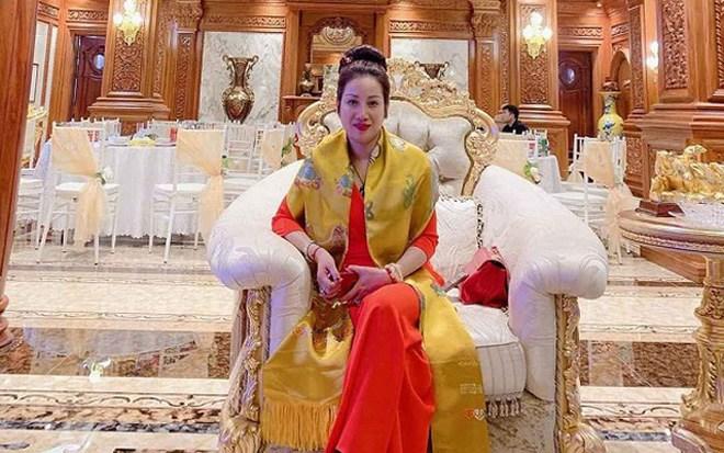 Những đại gia Việt thích khoe tiền, siêu xe, hay làm từ thiện và cái kết tù tội 6