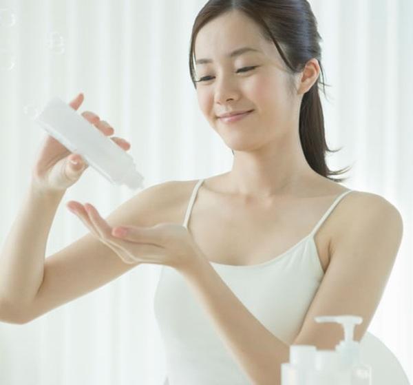 Nhiệt độ tăng cao, ngại da đổ dầu bóng nhẫy, mách nàng 5 bí quyết ngăn ngừa tình trạng này