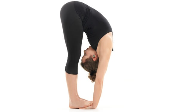 10 bai tap yoga giam mo bung nhanh nhat giup ban lay lai vong eo thon gon - 4