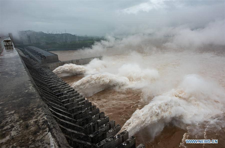 Mực nước đập Tam Hiệp sát mức