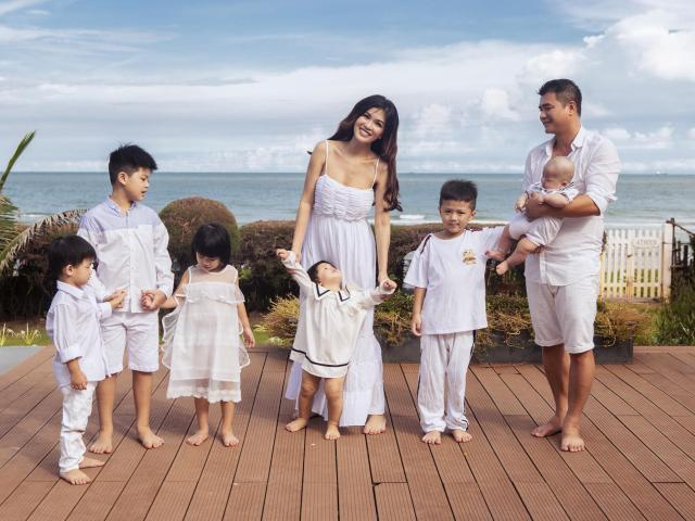 Khoe ảnh gia đình, Hoa hậu 6 con Oanh Yến lại bị nhận xét giống Marian Rivera