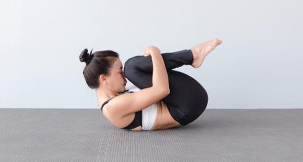Dù có cứng đầu đến đâu mỡ bụngcũng biến mất với những bài tập yoga giảm mỡ bụng tại nhà - 5
