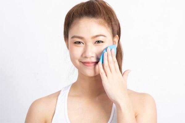 Cách chăm sóc da dầu mụn tại nhà hàng ngày giúp da luôn trắng sáng - 3