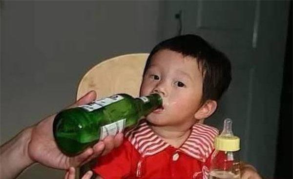 "4 loai do uong ""doc"" nhat voi tre, loai cuoi du chi uong 1 ngum cung ton hai nao bo - 5"