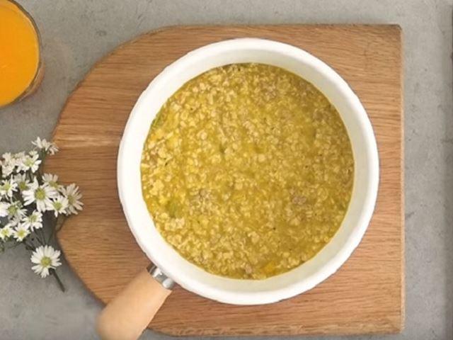 Mách mẹ cách nấu cháo yến mạch cá hồi cho bé thơm ngon, bé ăn tì tì cả tô - 5