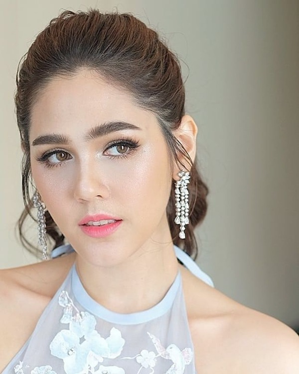showbiz thai lan: thien duong cua nhung co con lai, co nguoi con dinh dam ca the gioi - 1