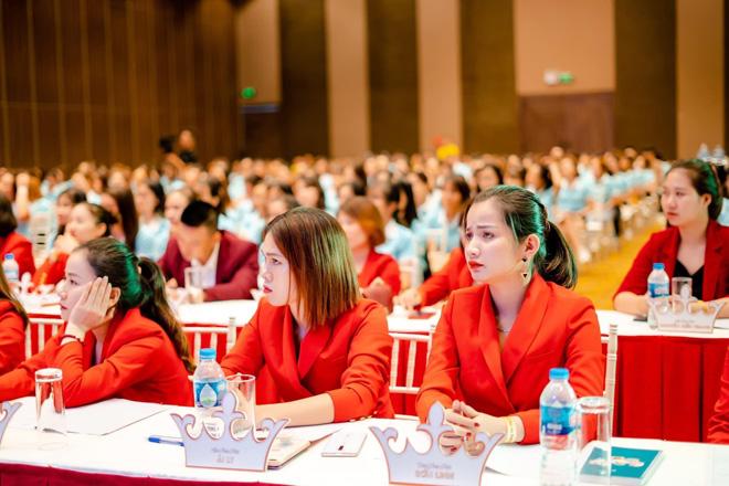Huấn luyện kinh doanh thực chiến cùng Huyền Phi - Khóa học bùng nổ doanh số toàn hệ thống - 4