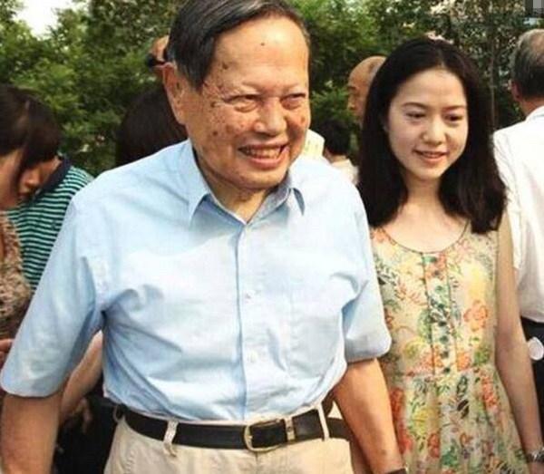 "lay chong bang tuoi bo lai giau ""nut vach"", dem tan hon toi hoa da khi chong mo cua phong - 3"