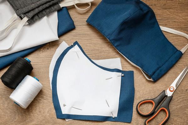 thoi trang mùa dịch: ao mưa thành áo bảo hộ, xuất hiện mẫu khẩu trang trong suốt - 17