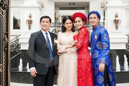 Thiếu gia Việt điển trai, biết 4 thứ tiếng và chuyện hôn nhân viên mãn khiến bao người ghen tị