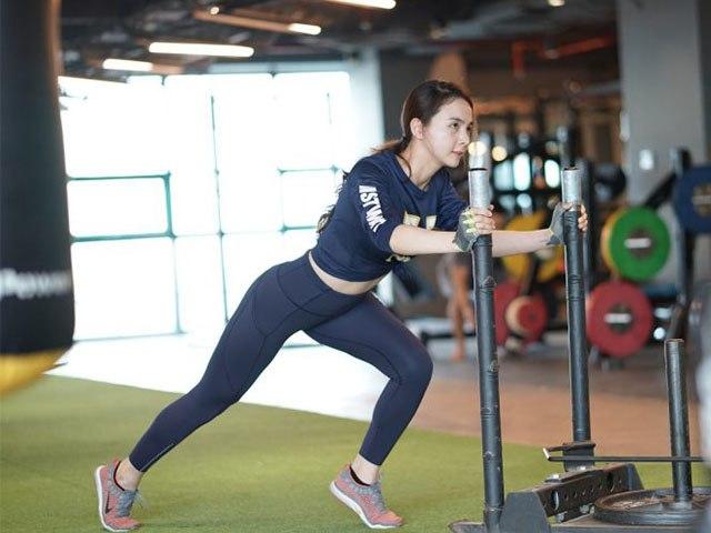 """Sao Việt tập gym hết mình vẫn mang trang bị """"ngộp thở"""", giảm cân nhanh nhưng dễ bị kiệt sức? - 5"""