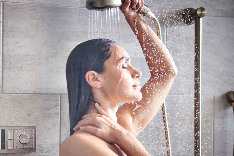 Bạn đã biết cách chăm sóc da khi mùa mưa kéo dài liên tục chưa? - 7