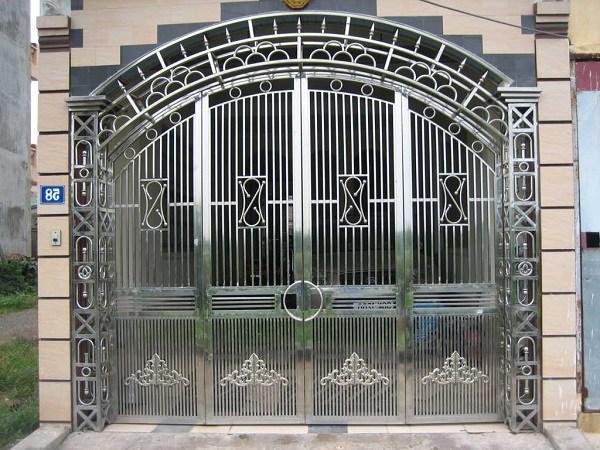 Những mẫu cổng nhà đẹp đơn giản nhưng hiện đại và sang trọng nhất 2020 - 18