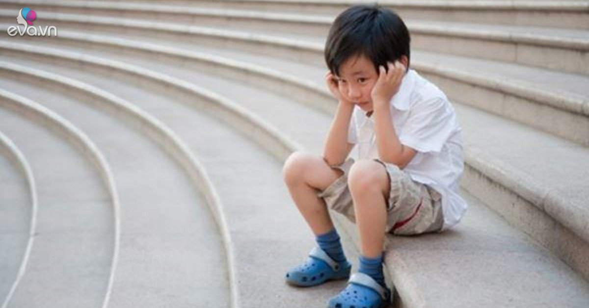 Thấy trẻ có 5 dấu hiệu của hội chứng tự kỷ này, cha mẹ cần đưa bé đi khám ngay