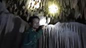 Khám phá cụm hang động hoang sơ đẹp lung linh mới được phát hiện ở Quảng Trị