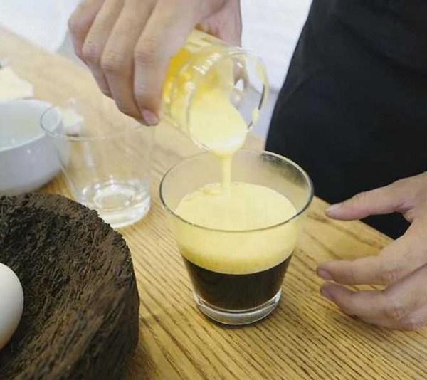 Cách làm cafe trứng thơm ngon mà không hề tanh - 4