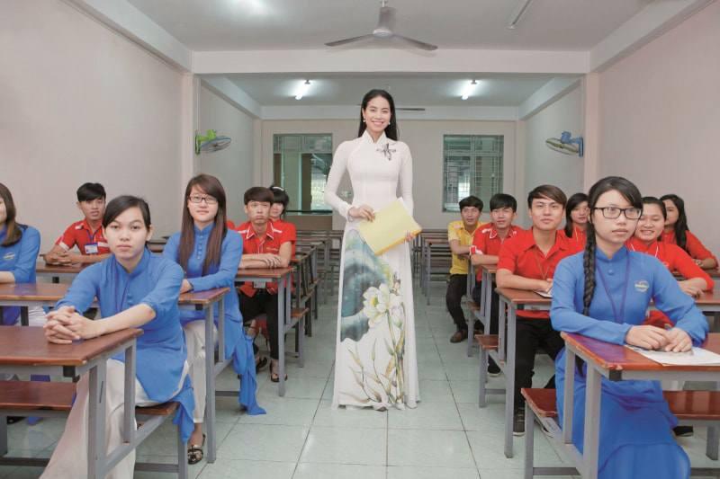 my nhan viet len giang duong day hoc: nguoi an mac gian don, nguoi dien han do hieu - 3