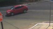 Va chạm với ô tô, người phụ nữ lao đầu vào chỗ hiểm