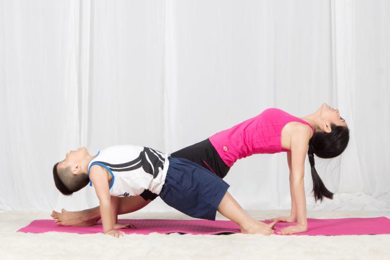 Tiểu công chúa nhà sao Việt tập yoga, mới tí tuổi uốn dẻo điêu luyện không thua mẹ - 17