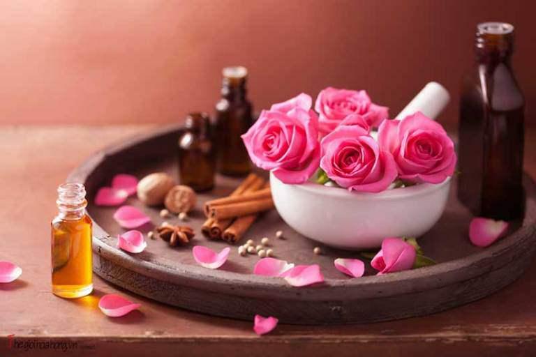 Không cần đổ xô đi spa: Tự làm mặt nạ collagen hoa hồng cho da căng mịn, trắng hồng - 3