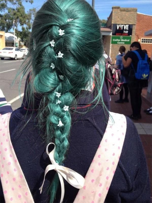 10 kiểu tóc màu xanh rêu đẹp nhất hiện nay phù hợp với mọi làn da - 8