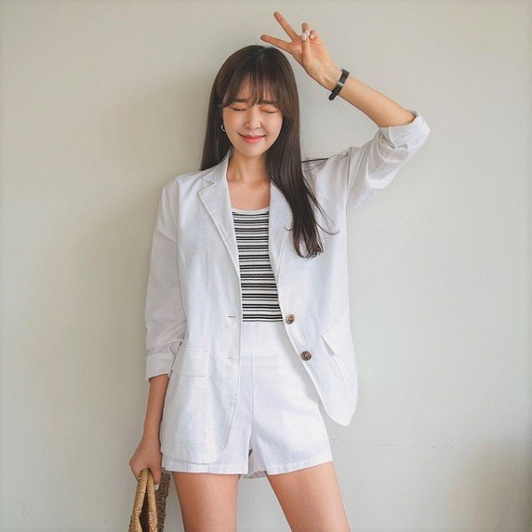 Những trang phục màu trắng chị em nên sở hữu, có thể dùng để phối đồ quanh năm - 11