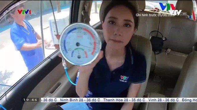 BTV Xuân Anh dẫn bản tin thời tiết đặc biệt trong ô tô đóng kín lên đến 57 độ C - 3