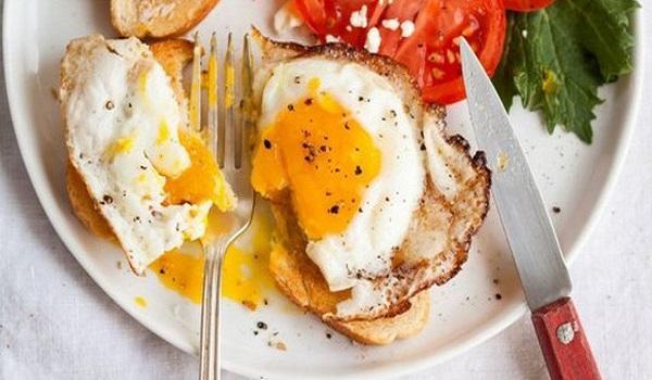 làm bánh mì trứng ốp la   Món Miền Trung