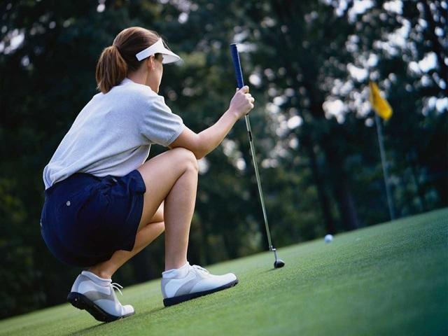 Thời trang sân golf của các mỹ nhân V-biz: cùng 1 công thức nhưng mỗi người mỗi vẻ - 4