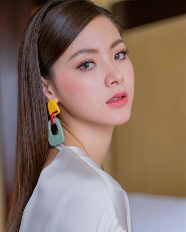 20 kiểu tóc ngang lưng đẹp trẻ trung nữ tính hot nhất hiện nay - 4