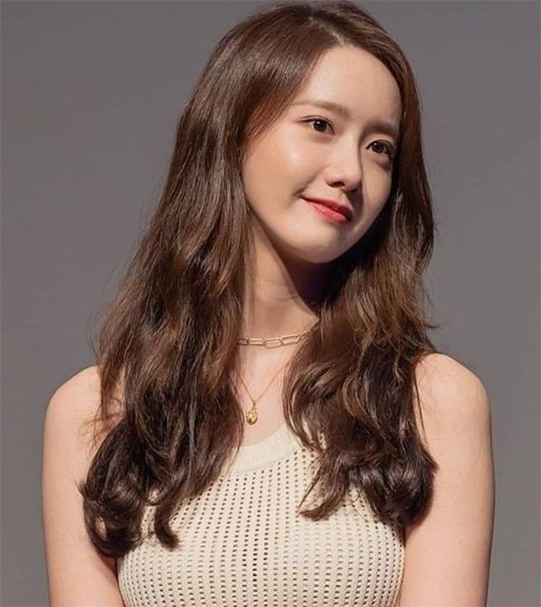 20 kiểu tóc ngang lưng đẹp trẻ trung nữ tính hot nhất hiện nay - 6