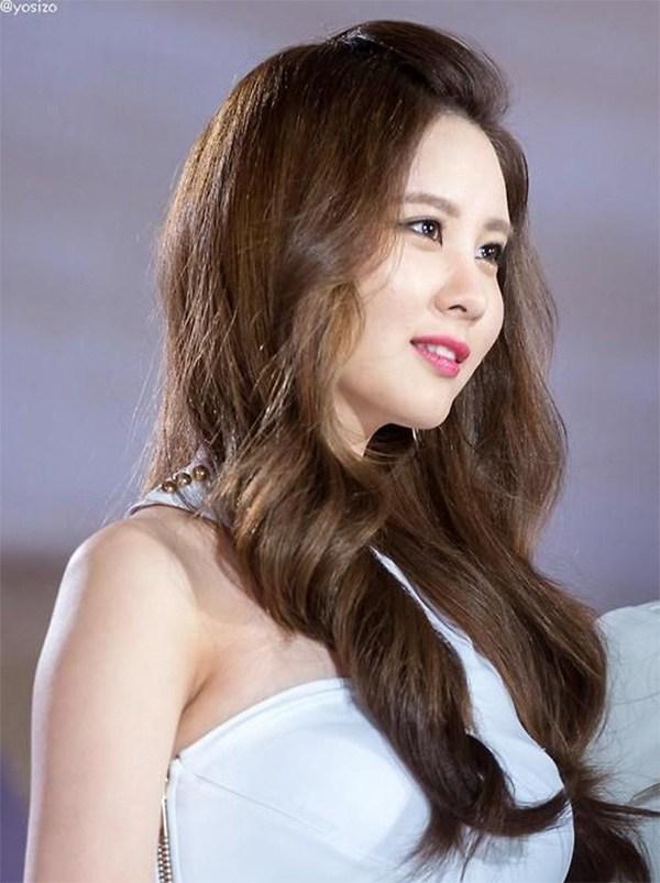 20 kiểu tóc ngang lưng đẹp trẻ trung nữ tính hot nhất hiện nay - 9