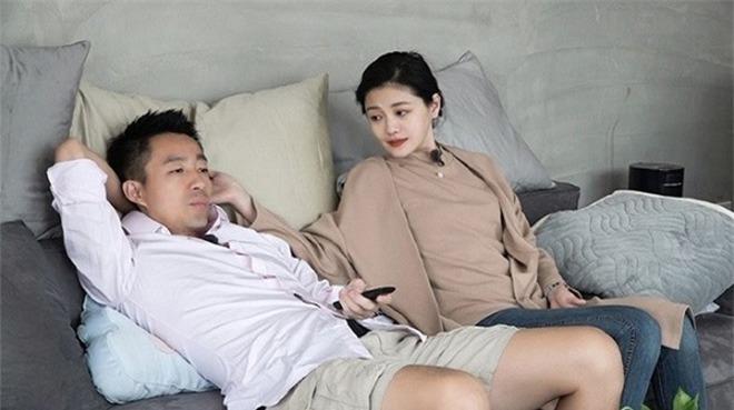 Ông xã Từ Hy Viên:  Làm ăn thất bại, amp;#34;bám váyamp;#34; vợ đi show vẫn cát-xê 66 tỷ đồng - 4
