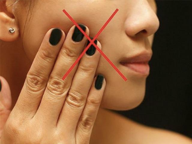 Tuyệt đối không được làm những điều sau, da mặt sẽ xấu đi vì sẹo rỗ - 1