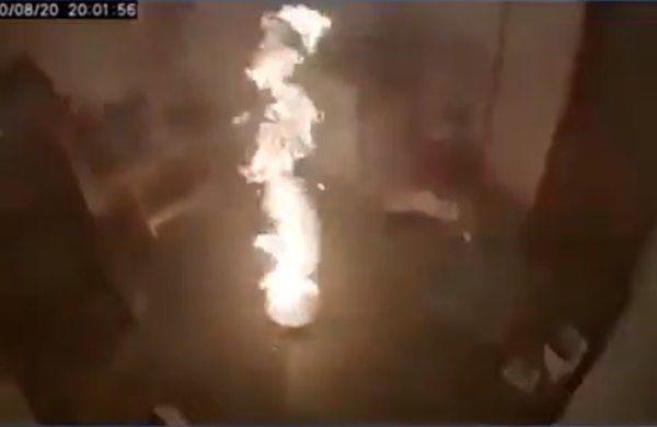 Cháy chảo dầu khói nghi ngút khắp phòng, cô gái bất ngờ lấy thứ tối kị để dập lửa - 3