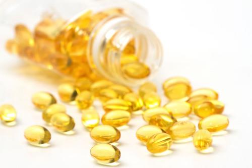 Kể không hết 1001 công dụng của vitamin E dưỡng da, mặt lúc nào cũng căng bóng - 1