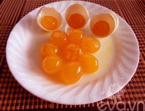 Cách làm trứng vịt muối ngon tại nhà đơn giản mà không tanh - 5