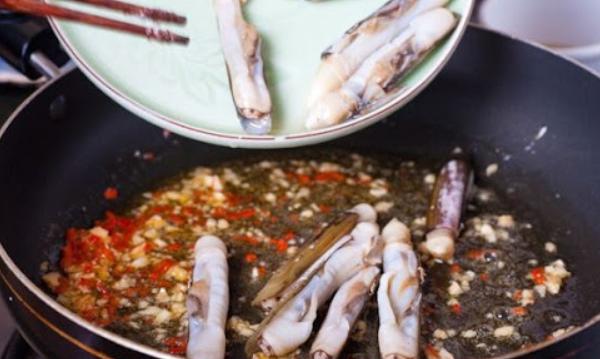 Cách làm ốc xào sả ớt ngon giòn cay ai cũng thích - 8