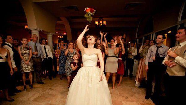 2 điều cấm kỵ khi cầm bó hoa cô dâu và cách xử lý để đường tình may mắn - 4