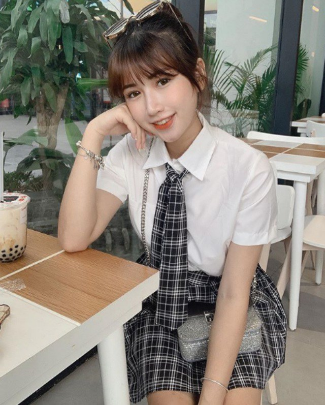 Hot girl trà sữa làm triệu con tim thổn thức vì gương mặt nữ sinh thân hình phụ huynh - 1