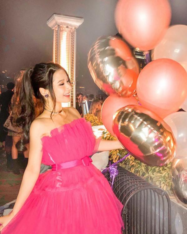 Con gái tỷ phú đi thi Hoa hậu, diện toàn hàng hiệu vẫn bị loại ngay amp;#34;vòng gửi xeamp;#34; - 7