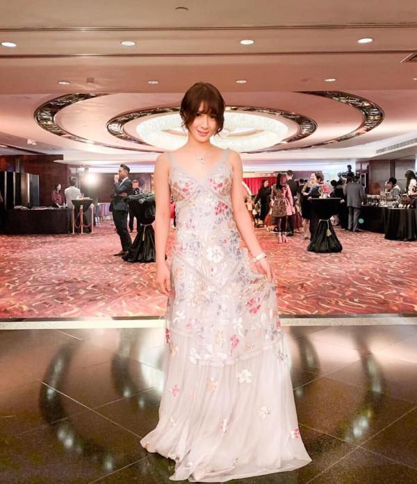 Con gái tỷ phú đi thi Hoa hậu, diện toàn hàng hiệu vẫn bị loại ngay amp;#34;vòng gửi xeamp;#34; - 8