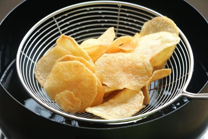 Thêm một bước khi chiên khoai tây, khoai sẽ mềm trong giòn ngoài, để lâu không ỉu - 5